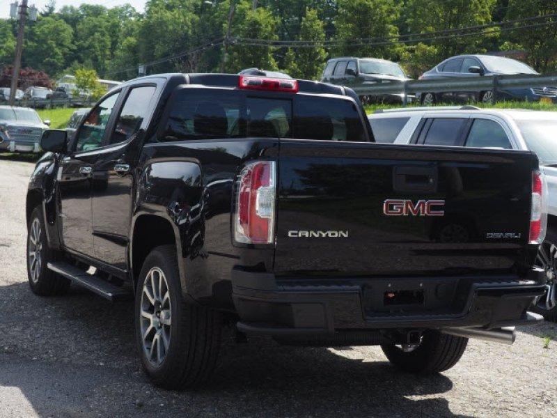 GMC Canyon Crew Cab Denali