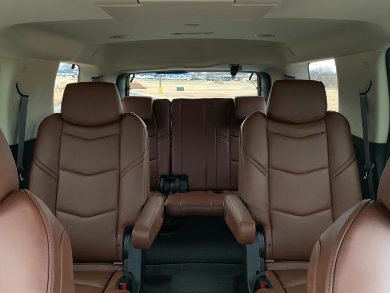 Cadillac Escalade Luxury (Short Wheelbase)