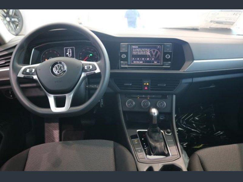 VW Jetta S