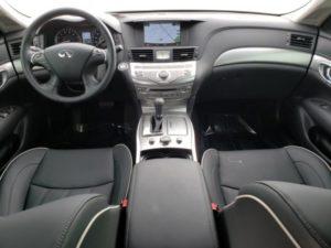 Infiniti Q70 Sedan